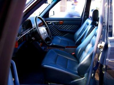 ★ブルーの本革シートはホールド性もよく、長距離を走っても疲れません♪ ★左右シートともにメモリー付きの電動調整式です♪ ★遠方のお客様もご遠慮なくお問合せ下さい。日本全国ご納車致します♪