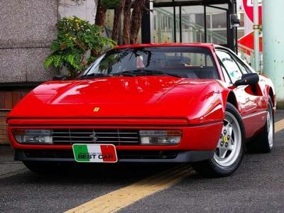 ★歴代フェラーリの中でも最もフェラーリらしく、優雅で美しいとされるモデルのひとつです。 デザインはピニンファリーナのチーフデザイナー、レオナルド・フィオラヴァンティ氏の手によるものです♪