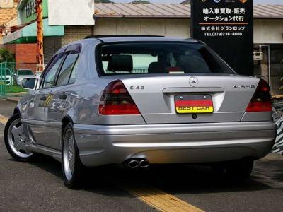 ★トランクリッドに輝く「AMG」と「C43」のエンブレム♪ ★テールライトはAMG専用のスモークタイプ♪