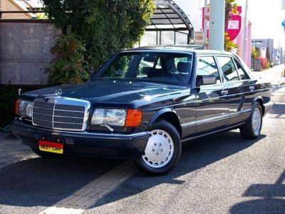 ★美しいボディデザインと王者の風格を持ち合わせたW126 Sクラス。20世紀に生まれた「名車」のひとつです、ぜひ貴方の「一生モノのお宝」としてお迎え下さい♪