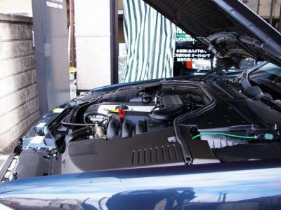 ★定評のある3.2リットルの直列6気筒DOHCエンジン搭載です♪エアマスセンサー純正新品交換済みです。 ★街乗りから高速走行まで、必要十分なパワーでなめらか走りを堪能できます♪
