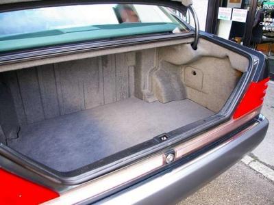 ★広大な容量を誇るトランクルームです♪ ★幅、深さ、奥行きともにサイズは広々、ゴルフバッグも楽々搭載可能です♪