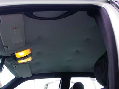 ★大きな開口部を持ったトランクは十分すぎる容量を確保しています♪ 奥行き深さともに実用車としての本領発揮です。