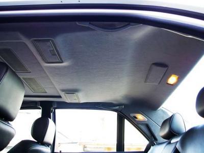 ★電動サンルーフ装備。天井のたれや汚れもなく、本当に綺麗なコンディションを保っております。ぜひご自身の目でその品質をお確かめ下さい(*^_^*)♪