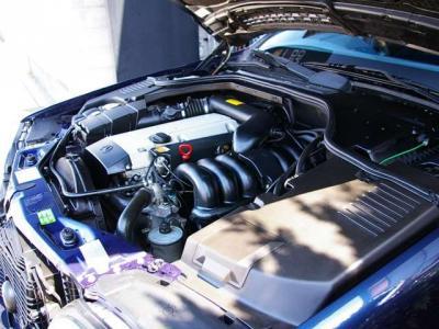 ★定評のある3.2リットルの直列6気筒DOHCエンジン搭載です♪ ★街乗りから高速走行まで、必要十分なパワーでなめらか走りを堪能できます♪