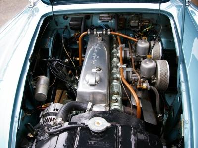 ★BMC製のCシリーズエンジンを搭載。2,639ccの直列6気筒OHV、SU/HD6型ツインキャブ仕様で最大出力118PS/4750rpm&最大トルク20.2kg.m/3000rpmを発揮♪ 図太い素晴らしいサウンドです♪