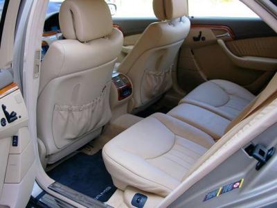 ★リアシートにもシートヒーターとベンチレーターを装備。電動調整可能なナッパエクスクルーシブレザーです♪ ★シートのコンディションも申し分のない素晴らしい状態です♪