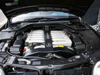 ★メルセデスの歴史に残る垂涎の名機、M120型のV型12気筒DOHC48バルブエンジンを搭載。最大出力410ps&最大トルク59.0kg・m(共にカタログ値)を発揮し、貫禄たっぷりの余裕の走りを実現しています♪