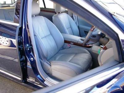 ★高級なナッパレザーシートにはマルチコントロールシートバック(シートヒーター&シートベンチレーター付)を装備。 シートコンディションも良好です♪
