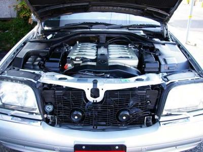 ★AMGチューンの6リッターDOHCエンジンは最大出力440ps/5900rpm&最大トルク61.2kg・m/4000rpm(カタログ値)を発揮♪ 控えめながらもノーマルとは一線を画すV12サウンドを奏でます♪♪♪