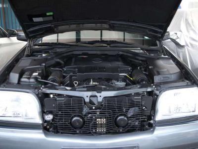 ★4.2リッターV型8気筒DOHC32バルブエンジンは最大出力285馬力/5700rpmと最大トルク42.0kg・m/3900rpmを発揮(カタログ値)♪ スムーズかつリニアな加速感が素晴らしいエンジンです。