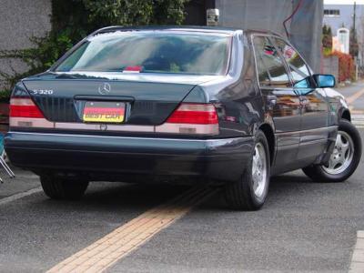 ★コンディションの良い最終モデルをご検討の方、ぜひ現車をご覧下さい♪ ★塗装の艶・コンディションも自信の個体です♪ ★全てにおいて「最上」を使命に造られたメルセデスの歴史に輝く「名車」の一つです♪