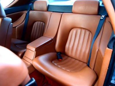 ★コノリー製のレザーをふんだんに使った豪華なインテリアが456の魅力の一つ♪ コノリー製の内装を持つ最後の4座フェラーリです♪