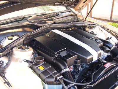 ★3.7リッターのV型6気筒SOHCエンジンは最大出力245ps/5750rpmと最大トルク35.7kg・m/3000〜4500rpm(共にカタログ値)を発揮。1,800kgのボディをスムーズに走らせます♪