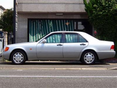 ★全長512cm×全幅189cm×全高149cmは堂々としたサイズのフルサイズですが、右ハンドルで取り回ししやすいです♪ ★タイヤ4本新品交換でご納車致します♪