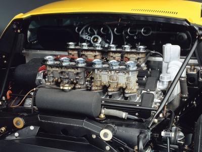 Lamborghini MIURA エンジンルーム