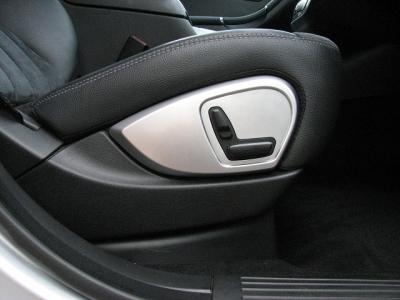 ★運転席&助手席は便利なパワーシートを装備!!★