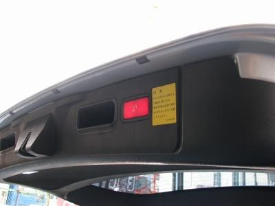 ★リアゲートはボタンひとつで開閉可能となっております!!★