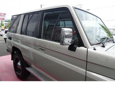 右側面の状態も良いです&日本自動車鑑定協会による鑑定においても、外装5点満点付いています!