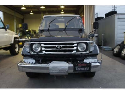 ランクル70系では希少な1オーナー車輛です!希少純正ブラック&走りの5F!只今仕上げ作業中ですが、車輛はご覧になれます!程度良好オススメ車&他店のランクル70車輛と比べてみてください!