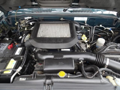 人気の後期モデル!3000ディーゼルターボ&パートタイム4WD車!前期の3100ccディーゼルターボよりも税金が安く、良く走りますよ!