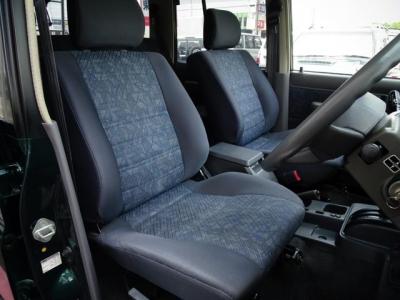 状態の良いフロントシート!社外シートカバー等で、汚れを隠したりしていません!第三者GOO鑑定においても、内装4点付いています!