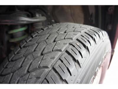 タイヤの山もまだありますが、新品タイヤへの交換も相談に乗ります!お気軽にお問い合わせください!