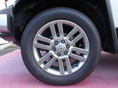 純正オプション20インチアルミホイール&ブリジストン デューラーHT 245/60R20タイヤ装着!アルミホイールの腐食もありません!
