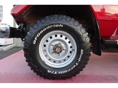 純正ホイール&BFグッドリッチ 235/85R16 ホワイトレター マッドタイヤが装着されています!弊社にてホイールも塗装仕上げを行っておりますので、キレイです!