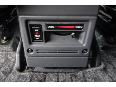 寒冷地仕様車&リアヒーター付!寒い時期には、とても助かります!