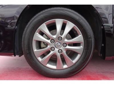 純正16インチアルミホイール&ヨコハマ ブルーアース 205/60R16タイヤ装着!アルミホイールのガリキズ・腐食等もなく、キレイです!