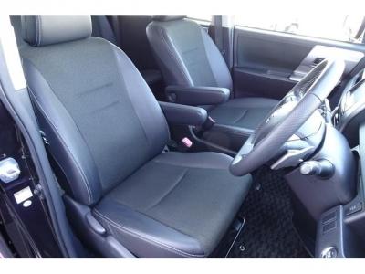 状態の良い肘掛付き運転席シート!社外シートカバー等で、汚れを隠したりしていません!第三者GOO鑑定においても、内装5点満点付いています!