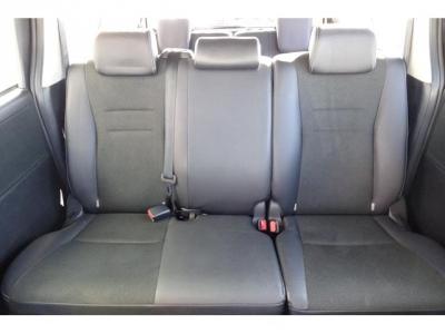 8人乗り&状態の良いセカンドベンチシート!社外シートカバー等で、汚れを隠したりしていません!第三者GOO鑑定においても、内装5点満点付いています!