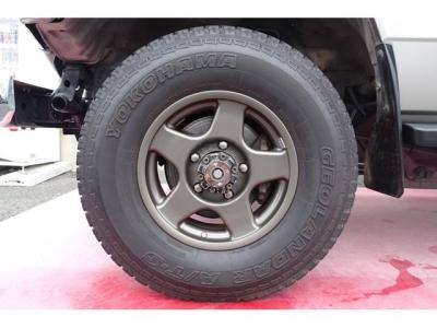 人気のブラッドレー16インチアルミホイール&ヨコハマ ジオランダー AT−S 235/85R16タイヤ装着!アルミホイールの腐食もありません!