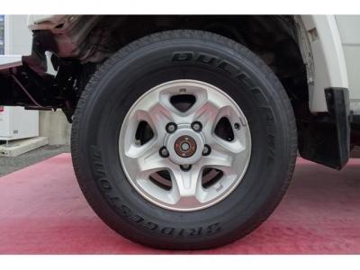 純正16インチアルミホイール&ブリジストン デューラーH/Lタイヤ装着!アルミホイールの腐食もありません!