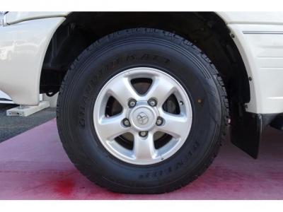 純正16インチアルミホイール&ダンロップ グラントレックAT3 275/70R16タイヤ装着!アルミホイールの腐食もありません!