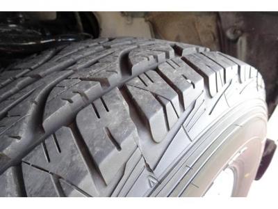 2019年製オールシーズンタイヤ交換済!タイヤの山もまだまだありますので、安心です!高いパーツになりますので、ご検討の際には重要な要素かと思います!