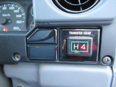 1HZ4200ディーゼル&パートタイム4WD車!ランクル70系を乗るなら、初期モデル3500ccではなく、このエンジンですよ!後悔しない車輌選びを・・・
