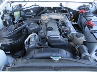 1HZ4200ディーゼル&パートタイム4WD!ランクル70系を乗るなら、初期モデル3500ccではなく、このエンジンですよ!後悔しない車輌選びを・・・