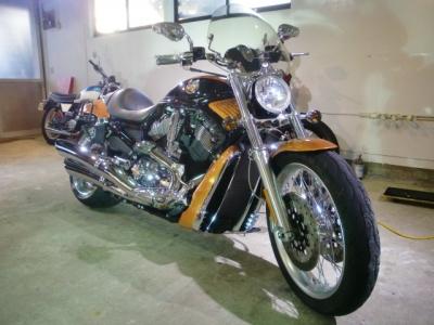 ハーレーVロッド CR−1バイクコーティング施工!