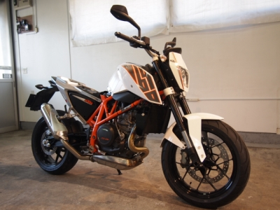 KTM Duke CR−1バイクコーティング施工!
