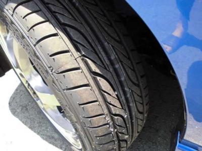 タイヤも国産品新品です