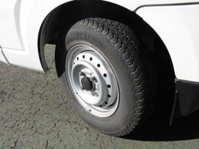 タイヤの溝 まだまだいけます