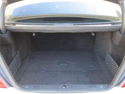 トランクルームは広々としており、長い荷物も楽々積み込み可能です!車両の詳しい状態などは、お電話下さい!!047−375−0800まで!!