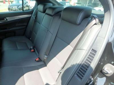 弊社では全車無修復車・保証付・メーター不正無の高品質・高年式の車を多数展示、販売しております。