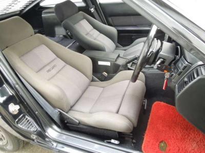 激希少の限定車レカロバージョンです。ドア内張りなどもレカロシートの生地が純正で奢られています。