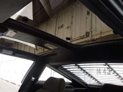 Tバーの天井内張りは修理されて張り替えられております。Tバーは状態良く、雨漏りなど一滴もありません。そもそも雨漏りしているTバーを私は見たことがありません。
