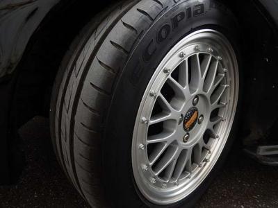 タイヤも去年新品で購入。ブリジストンのエコピア15インチ。ホイールはBBSじゃないね。