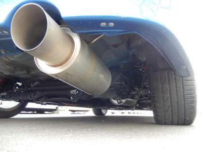 TEIN車高調装着!マフラーは車検対応フルステンレスで軽快なサウンド