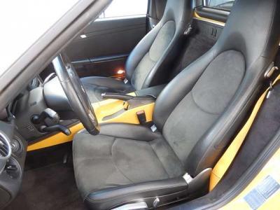 大人のためのアルカンターラコンビシート(運転席サイドポートにヘタリがあります。)